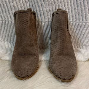 Taupe suede lucky booties